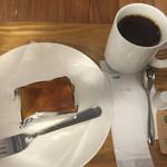 48339268 - ニューヨークチーズケーキ&ブレンドコーヒー