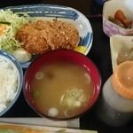 酒房肴町 - メンチカツ定食
