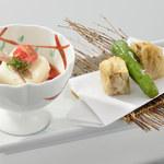 八かく庵 - 蓮根の大豆肉はさみ揚げ クリームチーズ豆富のトマト酢掛け