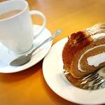 エムズプレイス - カフェオレ       モカケーキ              ドリンク、スイーツは選べます。