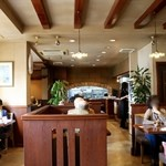 48368110 - 昔ながらの喫茶店の雰囲気