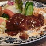 レストラン 精養軒 - タンシチュー