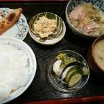 きん助 - 鮭はらす定食