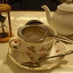 カフェ英國屋 - ポットで提供