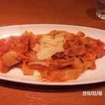 48379291 - ナポリ産プロヴォ―ラチーズとサルシッチャのタリアテッレ1200円