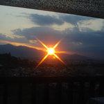 4838073 - mi cafe から眺めた夏の終わりの夕日