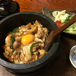 Ajidokorosantomi - 石焼きキムチ親子丼