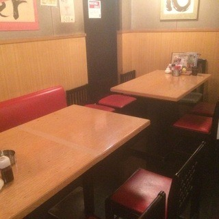 宴会でのご利用は、テーブル席にて最大13名様までご利用可能!