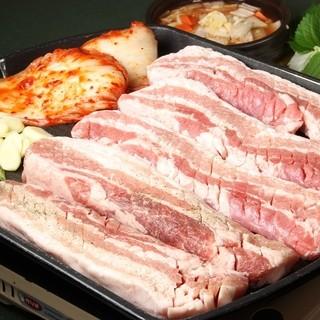 サムギョプサル食べ放題ランチ1480円!ディナー1880円!