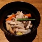48395193 - のっぺ。里芋、こんにゃく、蓮根、椎茸、人参、銀杏。かな。