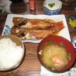 484709 - 深海煮魚定食