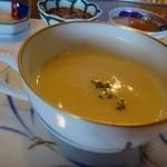48402818 - ◆カリフラワーのスープ・・余計なお味付をせず、カリフラワーの旨みを生かしたスープ。