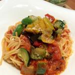 スイーツリングカフェ - 「彩り野菜たっぷりのカポナータ」は普通に美味しかった。予想外にミニサラダが良かった。手抜きしていない感じだ。