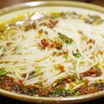 李湘潭 湘菜館 - 剁椒鱼头に米粉