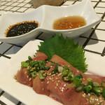 鶏の素揚げ hoshino - 鶏の素揚げ hoshino(東京都新宿区新宿)鶏の白レバー刺 580円