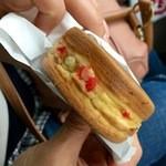 ニシダ  - 料理写真:紅生姜がまさにたこ焼きチック(笑)(2016.03現在)
