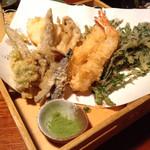 土風炉 - 季節の天ぷら。お野菜中心。