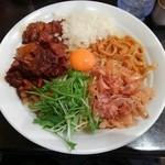 G麺屋 - お昼限定『油そば:メガ盛り(麺500g)』