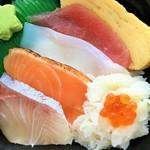 海鮮づくし丼丸 - 3月の特撰丼