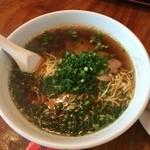 魯園菜館 - ラーメン