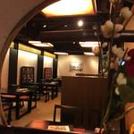 百万石のおもてなし 金沢乃家 - 高級な雰囲気の店内
