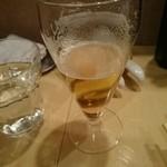 48445818 - 飲み掛けのグラスビール