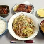 味の枝 - 本日のおすすめ(から揚げと野菜炒めの定食)630円