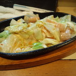 十三屋 - 牛ホルモンの味噌炒め