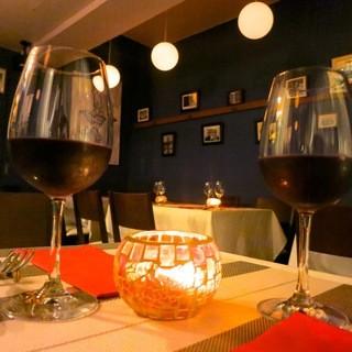 [肉料理に合うワインとアラカルト料理でご用意しています。]