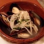 中目黒 イチマルイチR - ムール貝の白ワイン蒸し