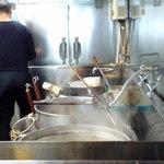 蒲田刀削麺 - 手間の鍋にブチコミます!!