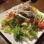 熱風食堂Typhoon - プルコギサラダ
