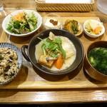 玄米カフェ 実身美  - 日替わり健康ご飯+鉄分プラス