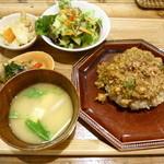 玄米カフェ 実身美  - 澤さん玄米カレーセット