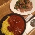 カリガリ - インドカレーmini、豚と春菊の山椒炒め