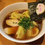 麺屋 すずらん - ●2016 #064 @鶏出汁のしょうゆらーめん+ワンタンの皮 ¥830