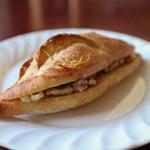 ル・コパン - 料理写真:カルピスバターとはちみつのサンド☆