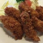ゆり - 料理写真:大粒な牡蠣フライが6個も