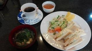 モナコ - モーニング 350円(土曜日は味噌汁無料)
