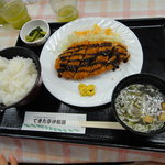 できた亭 伊那路 - 料理写真:チキンカツ定食