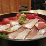 旬乃山すい - 料理写真:カンパチ・マグロの2色丼