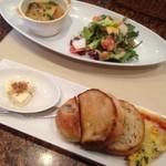 48499885 - サラダ&スープ&パン                       のセット♪