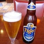 フンザダルバル - とりあえずタイガー! インド他の輸入ビールが\450と安い!