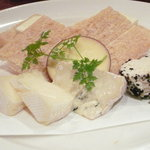 949 - チーズの盛り合わせ(\800-)