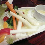 949 - 有機野菜のバーニャカウダ(\680-)