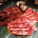 焼肉匠 満炎 - タレ焼き:国産特上牛カルビ、国産牛ハラミ。