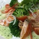 あさ香 - 料理写真:サーモンのカルパッチョ 大葉ドレッシング