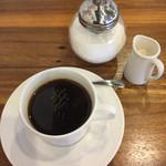48510880 - お昼は食べていたので、ホットコーヒーをいただきました。