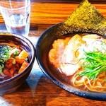 48512503 - 醤油ラーメン&チャーシュー丼 900円