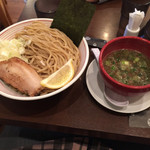 山麺 - 香味焙煎麺のつけ麺 大  800円
